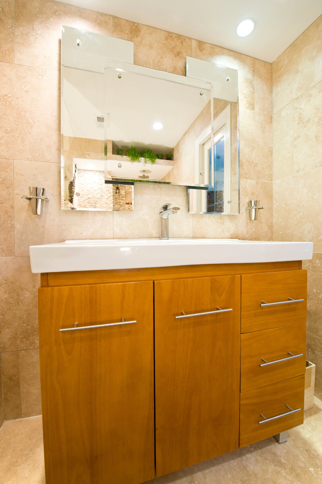 Designing your bathroom linen cabinets modernize for Bathroom linen cabinets