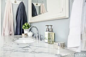 Small-Bath-Ideas-marble-countertop