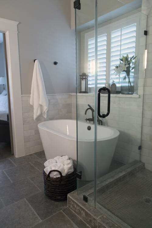 how to make a small master bath spa like - Small Master Bathroom Designs