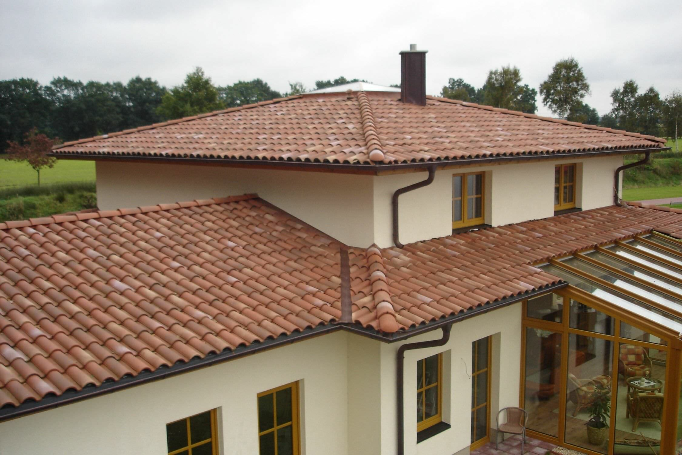 interlocking-roof-tile-roman-clay-2785-1576629
