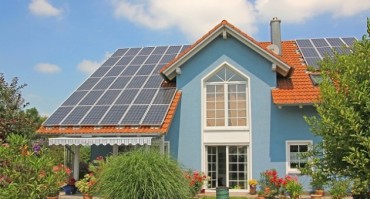The Best Solar Home Improvements to Try This Summer