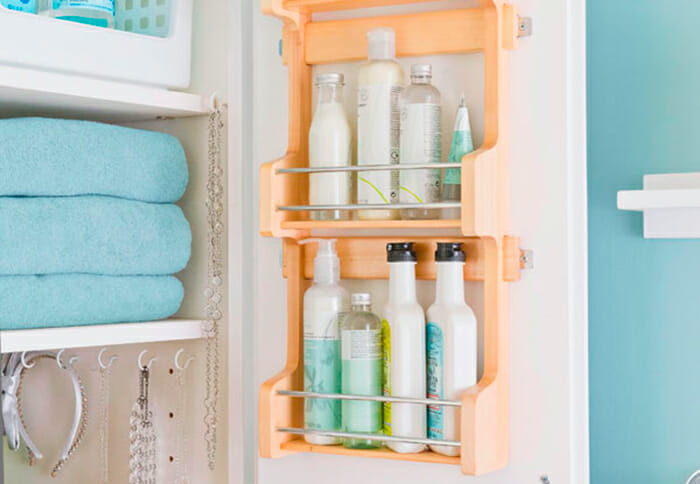 10 creative storage solutions for small bathrooms modernize for Bathroom shelving ideas for small spaces