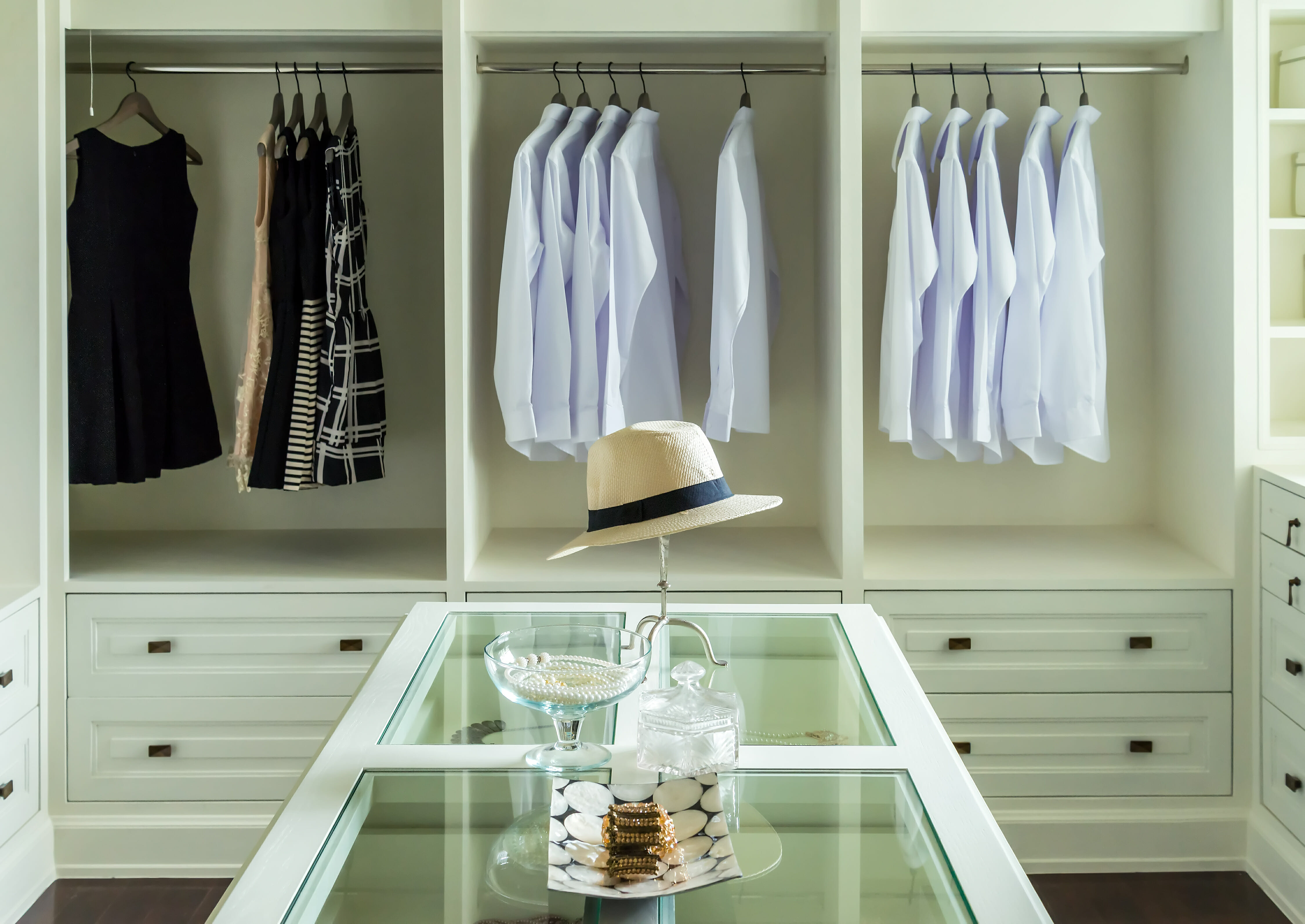 How To Give Your Master Bedroom Closet A Chic Boutique Vibe