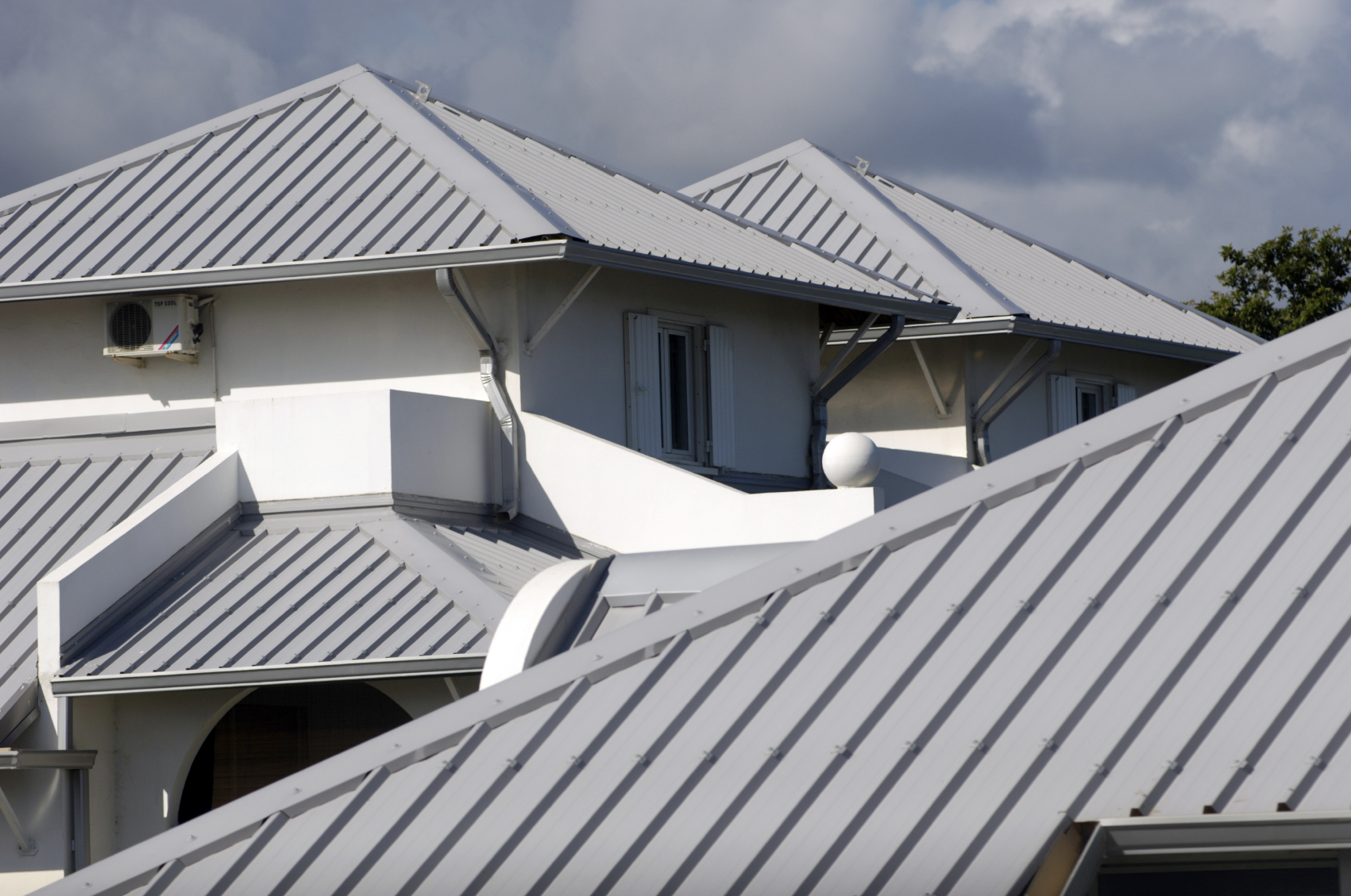 Steel roofing compare roof types get free estimates Kinds of roofs