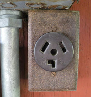 About 220 Volt Outlets