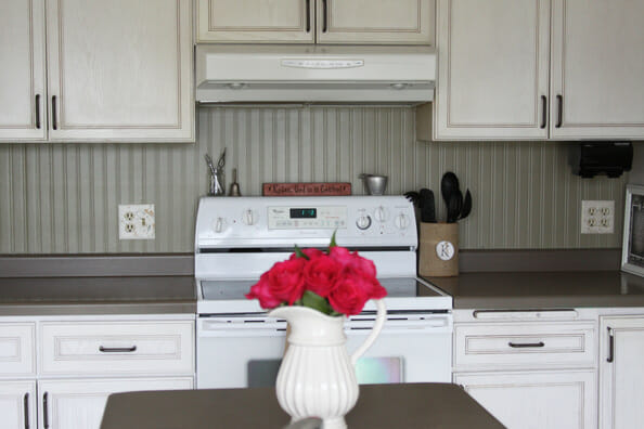 Beadboard backsplashes modernize for Cheap kitchen cabinets installed