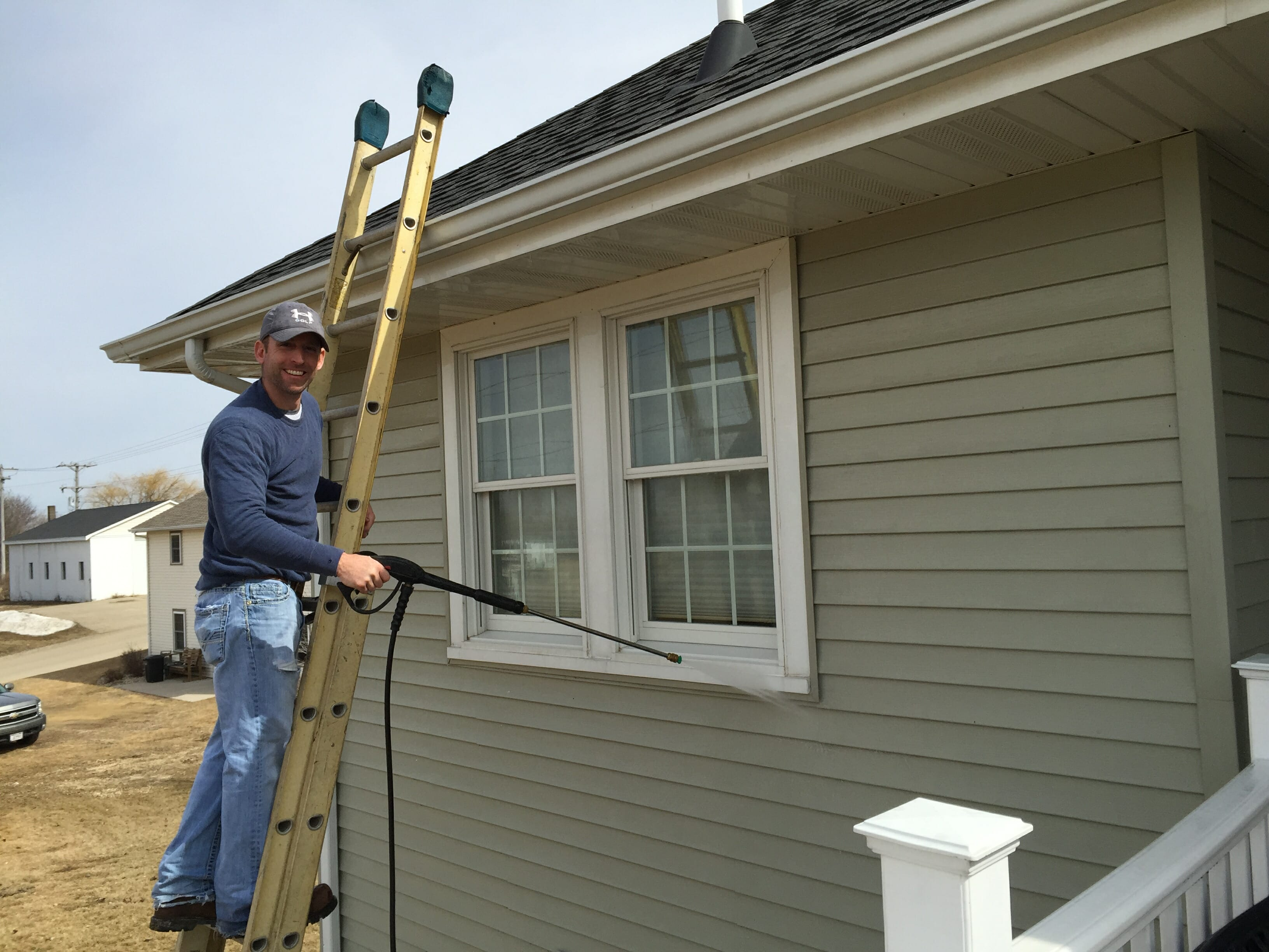 How To Clean Spots On Vinyl Siding Modernize