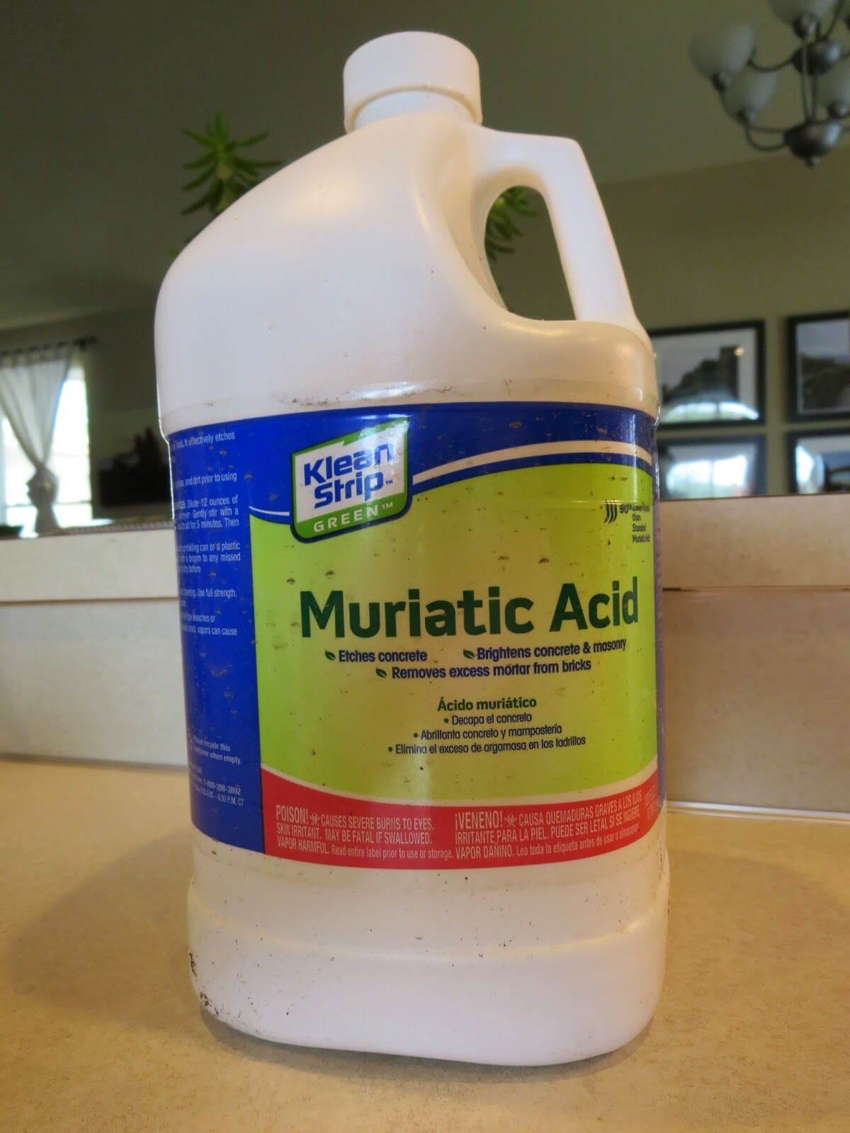 Use muriatic acid for tough concrete offenders modernize for Hydrochloric acid for cleaning concrete