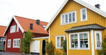 Choosing Siding Colors for Your Home
