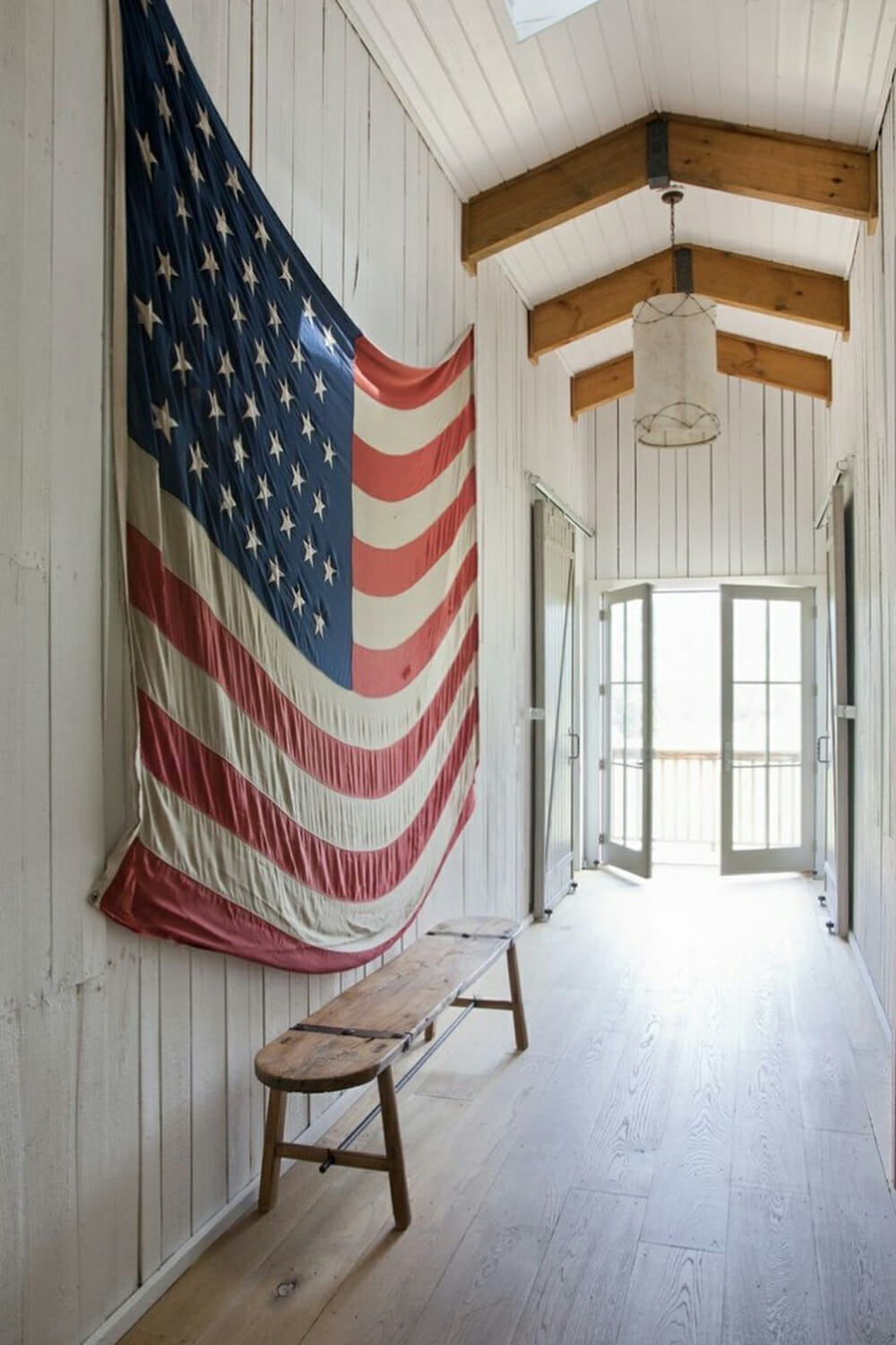 A Big Flag and 5 other ways to decorate an empty wall
