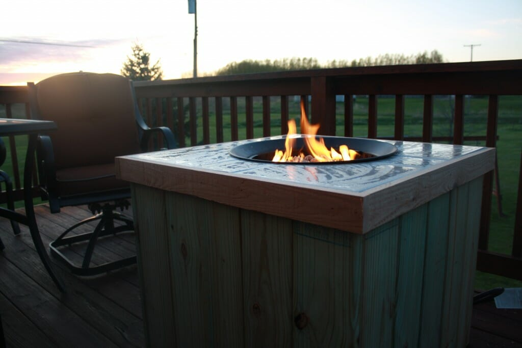With Just A Little Bit Of Elbow Grease You Can Diy This Simple And Inexpensive Gas Fire Pit To Transform Your Deck For Future Cozy Evenings