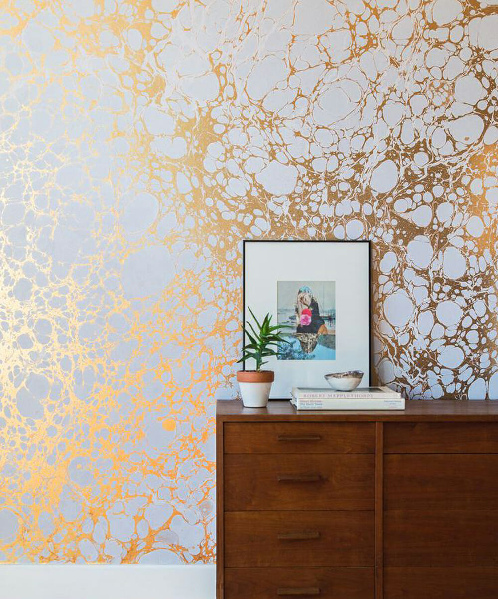 Wallpaper and 5 other ways to decorate a big wall