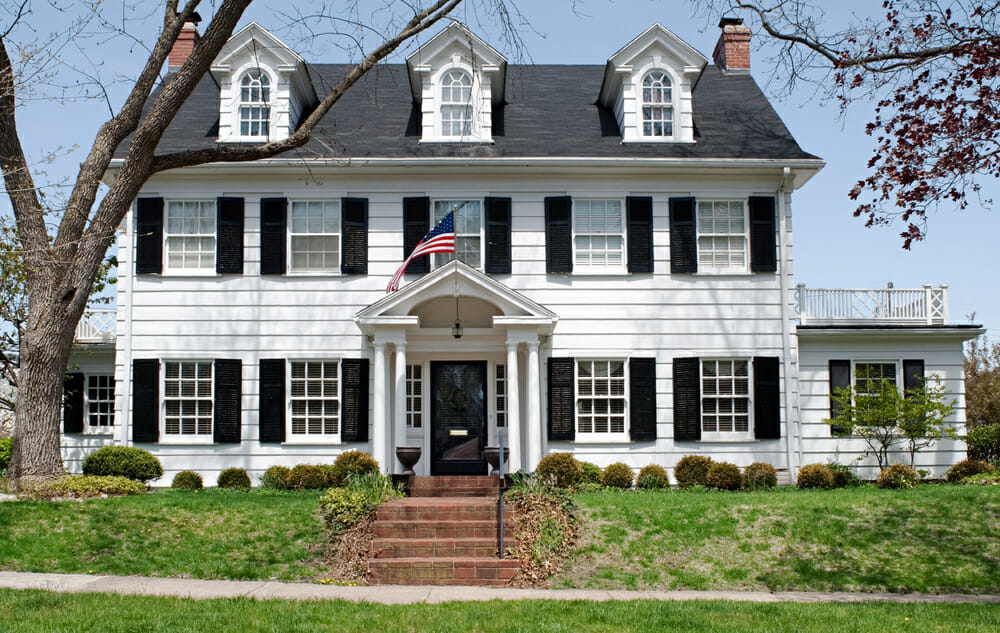 Our favorite 4th of july themed homes modernize for Cape cod style house