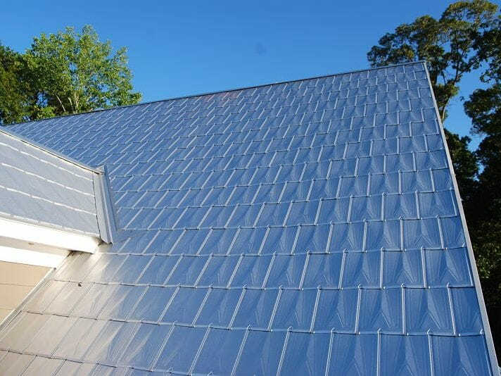 What types of roof material are the best for a hot climate for Efficient roofing