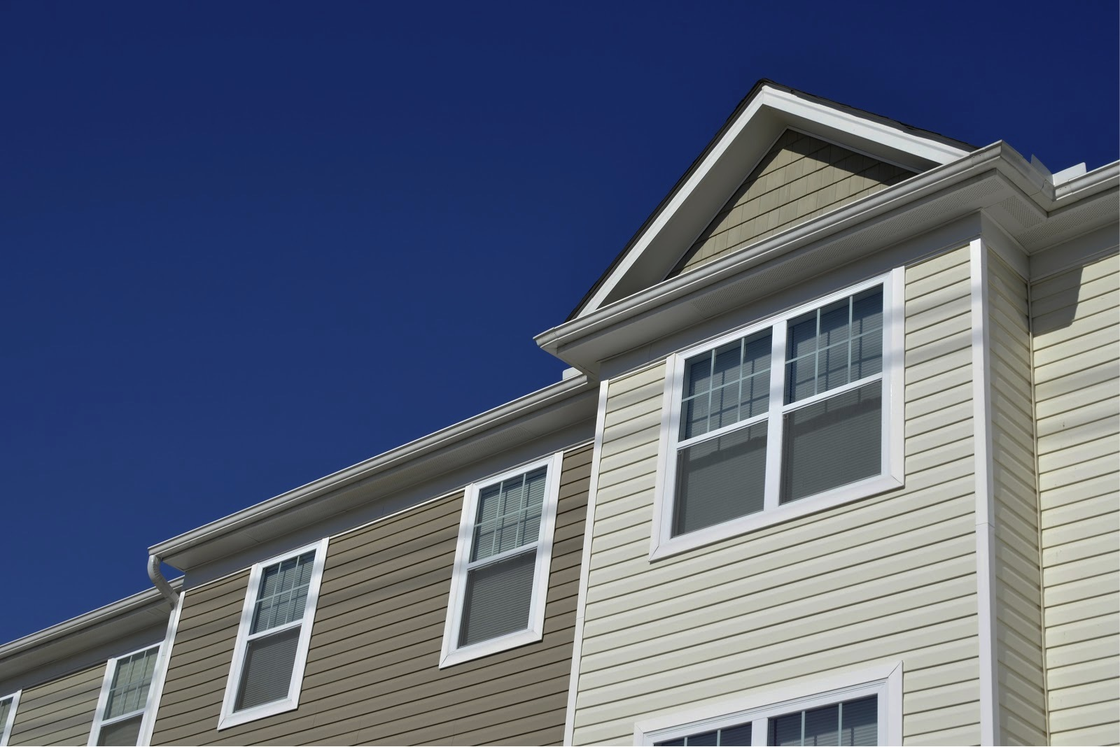 How Does Window Capping Affect My Siding? - Modernize