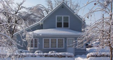 How to Prevent Indoor Pipes From Freezing