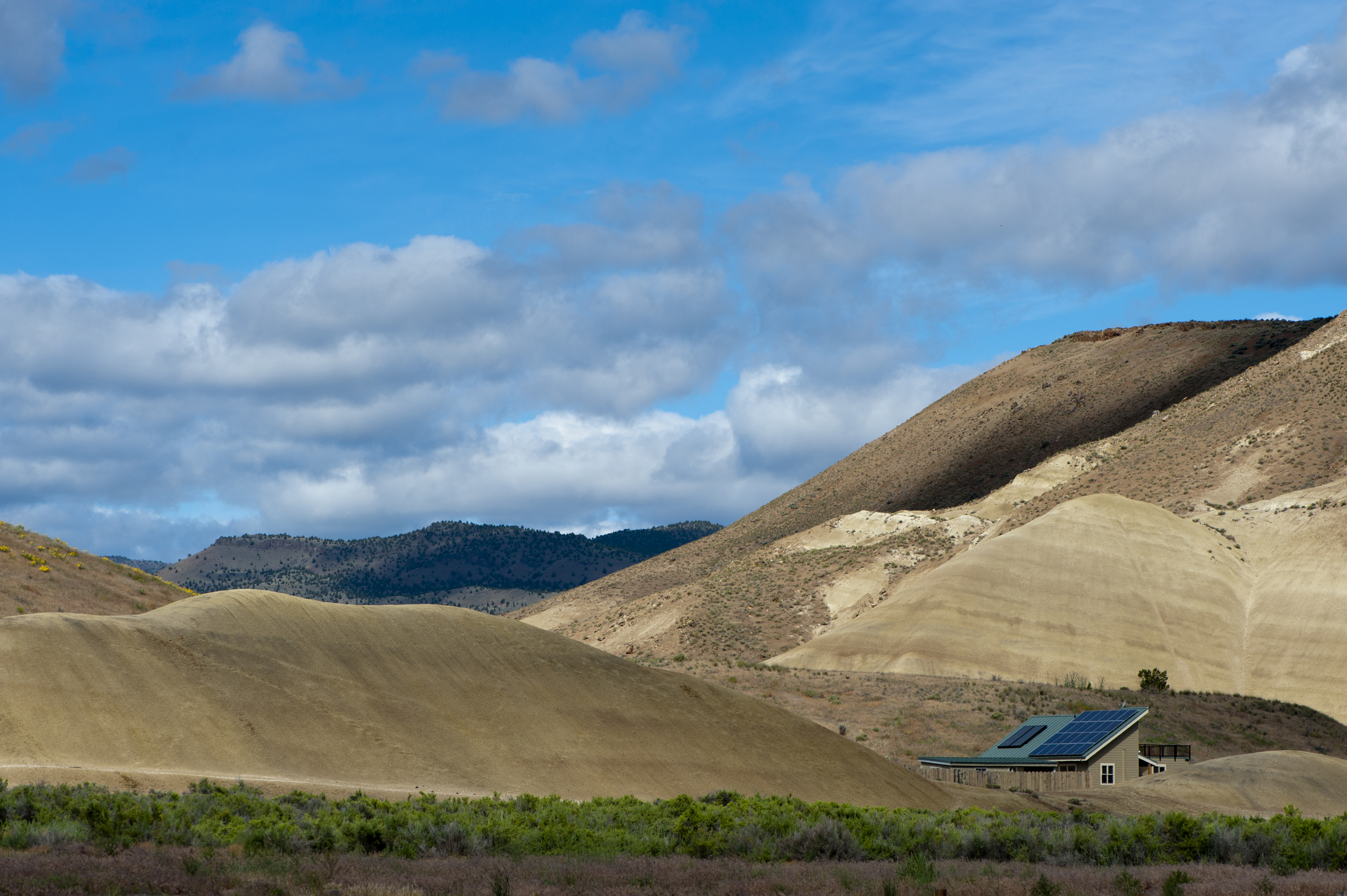 Solar home in Oregon's painted hills