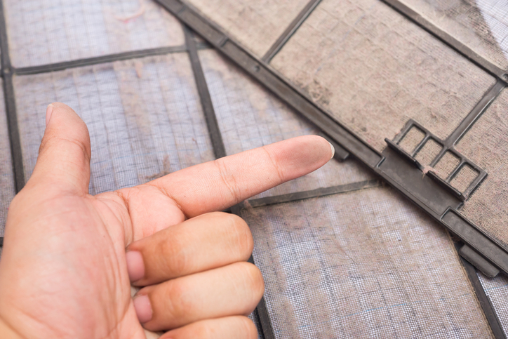 dirty air filter and dirty finger