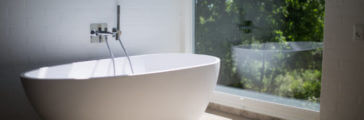 Advantages and Disadvantages of Different Bathroom Tubs