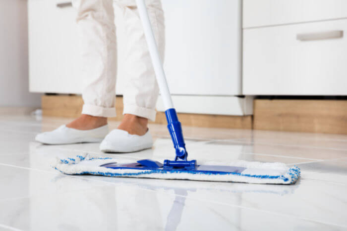 mopping-tile